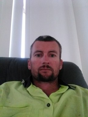 <span>Mick, 36</span>&nbsp;<span style='width: 25px; height: 16px; float: right; background-image: url(/bitmaps/flags_small/AU.PNG)'>&nbsp;</span><br><span>Banks, Australia</span>&nbsp;<input type='button' class='joinbtn' style='float: right' value='JOIN NOW' />