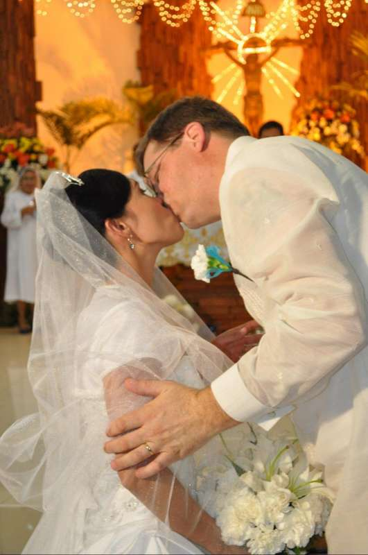 I am thankful to this site because I have found my soulmate, her name is Noame :)<br>Ikaw ang lahat sa akin sweetheart! Thanks to all the great friends I have made here! Wedding Sept 18th, 2010 Cebu C...